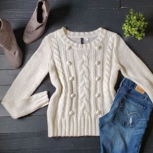 ⚘Divided White Sweater
